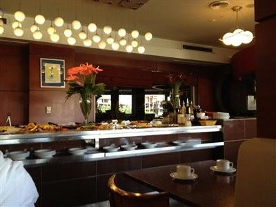 رستوران اردک آبی (تندیس)