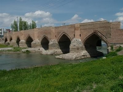 Yeddi Goz Bridge