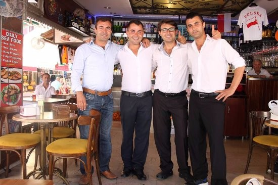 4 برادر - ددم کی رستوران کوش آداسی