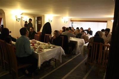 رستوران میزبان