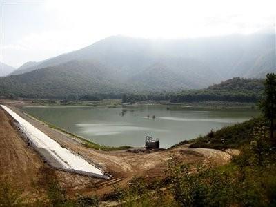 سد خاکی و دریاچه زرین گل (سد کبودوال)