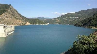 Doroodzan Dam