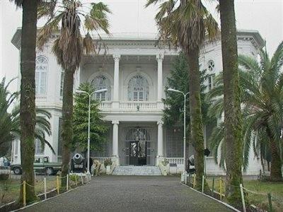 کاخ موزه میان پشته (کاخ موزه نظامی انزلی)