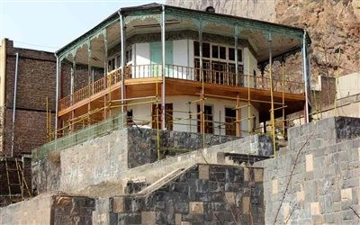 Maku Kolah Farangi Mansion