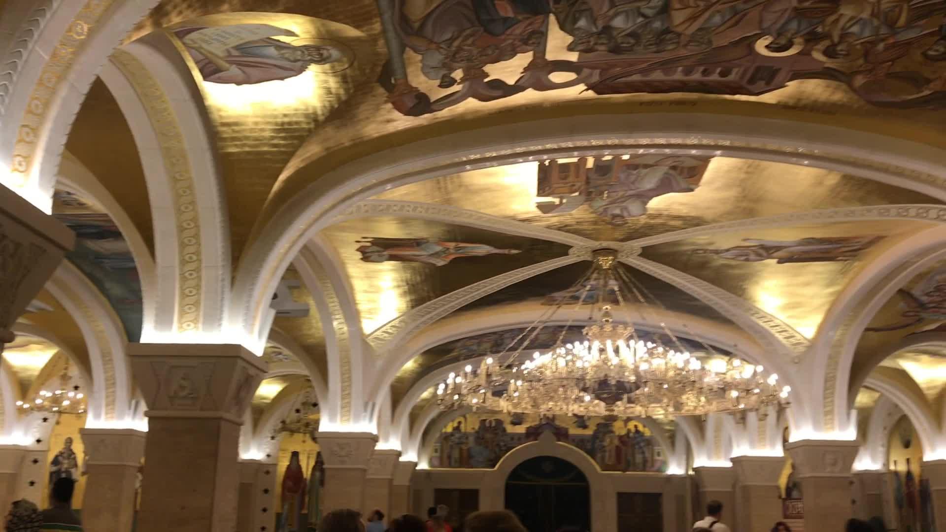 درخشش طلایی رنگ کلیسای سنت ساوا