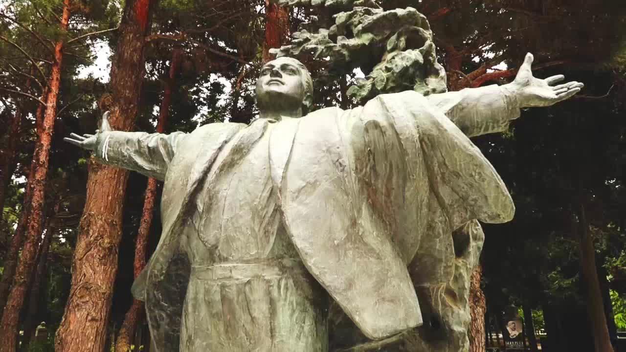 پارک مفاخر باکو، میزبان مقبره اکثر بزرگان