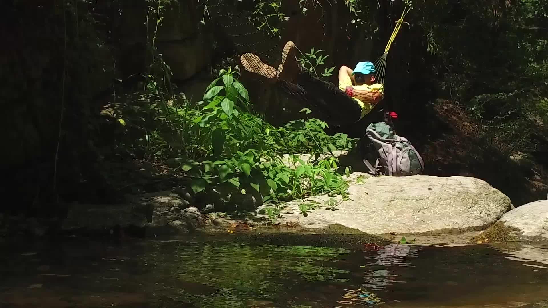 فرود از آبشارهای شیرآباد