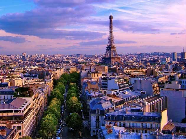 پاریس، عروس اروپا (سفرنامه)