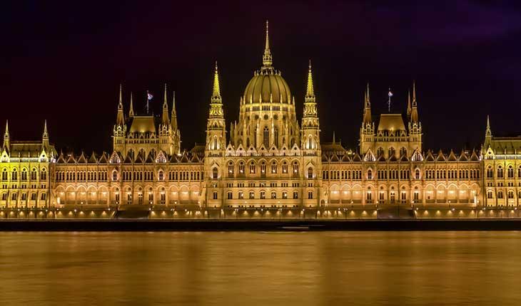 6 ساختمان زیبا و خارق العاده که باید در بوداپست ببینید 