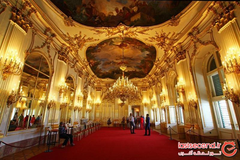 راهنمای سفر آسان به اتریش و جمهوری چک (سفرنامه)