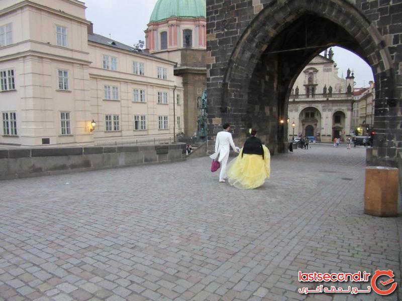 عروس و داماد کره ای روی پل چالز