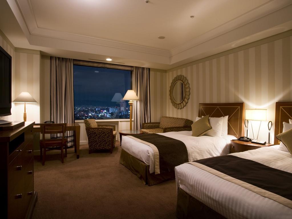 هتل ایمپریال اوزاکا