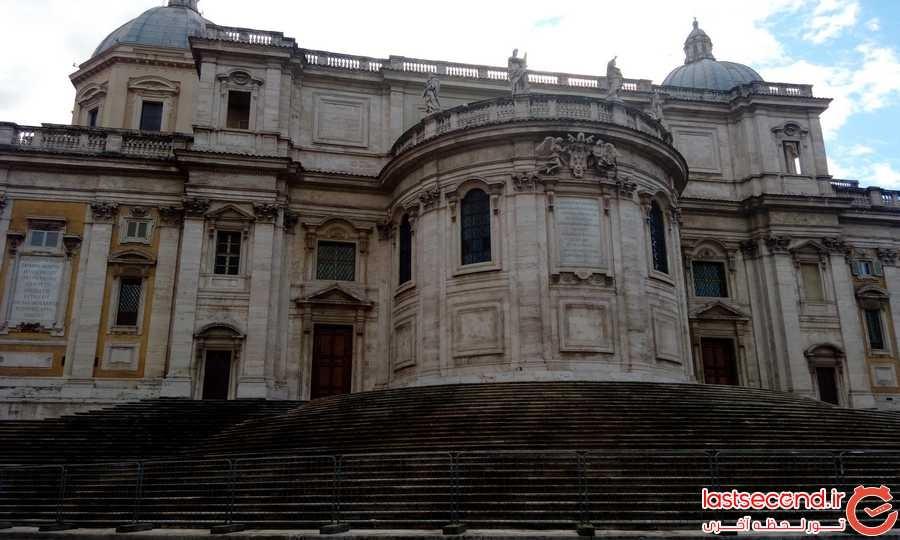 نمای بیرونی کلیسا سانتا ماریا ماجوره