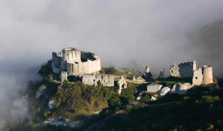 « قلعه شجاع قلب » ، قلعه ای متروکه در فرانسه 