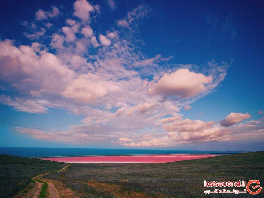 دریاچه ای حیرت انگیز به رنگ صورتی در استرالیا 