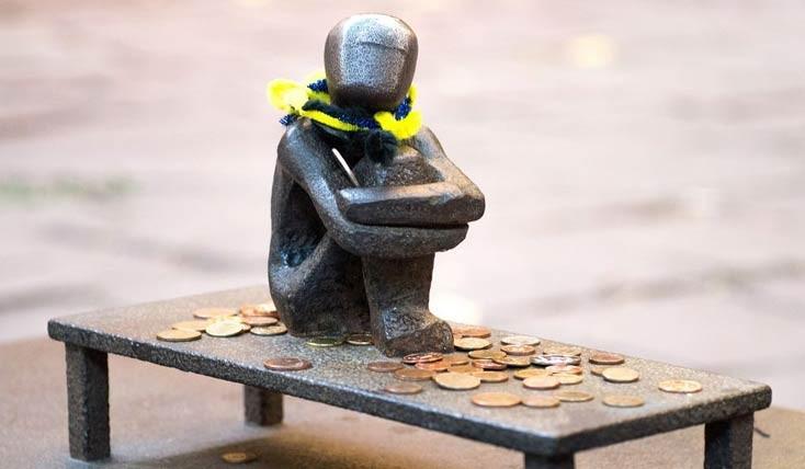کوچک ترین مجسمه های یادمانی در دنیا