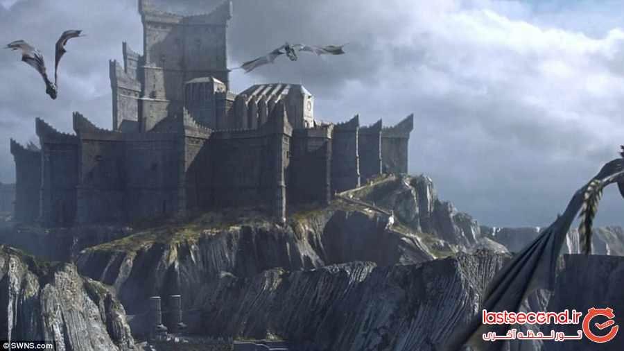 گردشگران به سرزمین اژدها می روند 