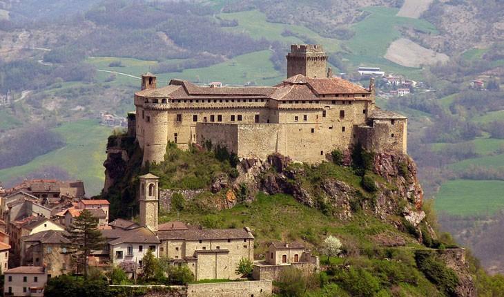 زندگی در ارتفاعات ، زیباترین شهرهای بالای تپه در اروپا 
