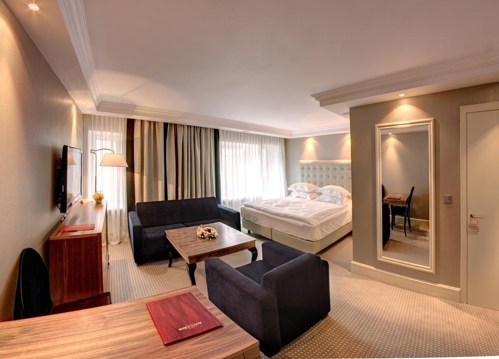 هتل خرشاتیک