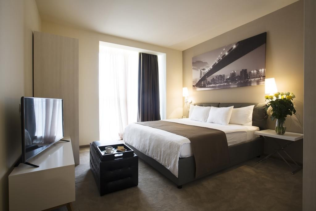 هتل اپرا سوییت