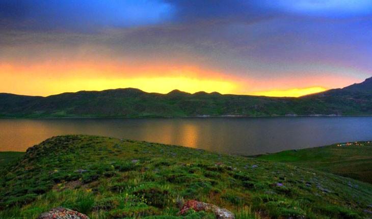 طبیعت بکر نئور بزرگترین دریاچه اردبیل 