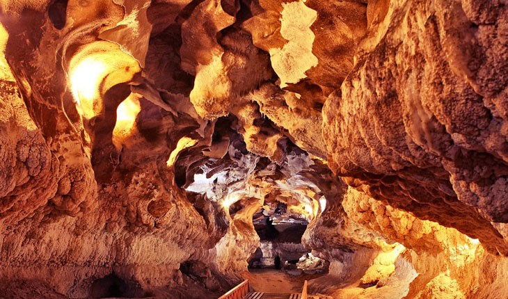غار کتله خور ، بهشتی پنهان در دل کوهای زنجان