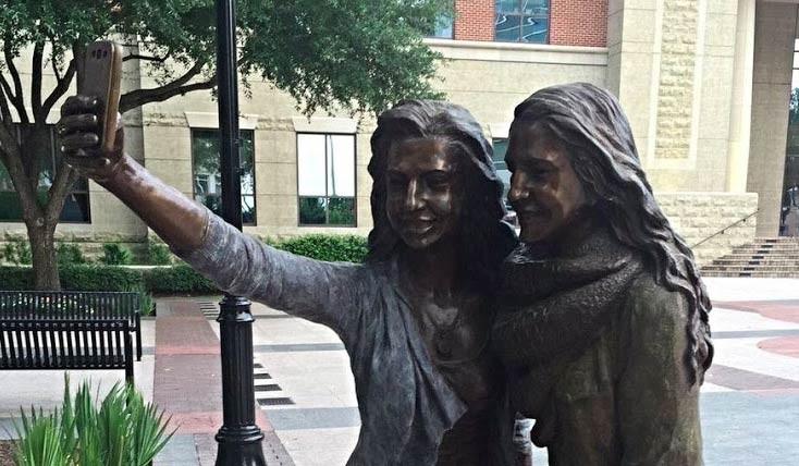 مجسمه ی سلفی در تگزاس
