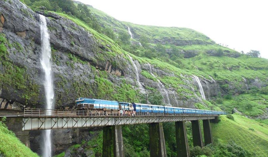 از بمبئی تا گوا با قطاری شیشه ای 