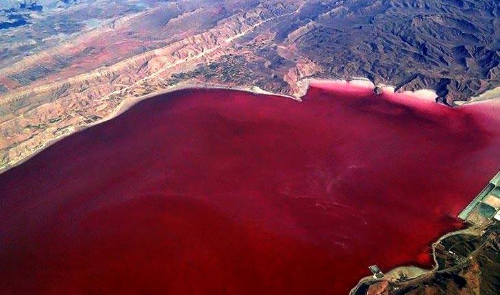 لیپار، تالاب به خون نشسته چابهار