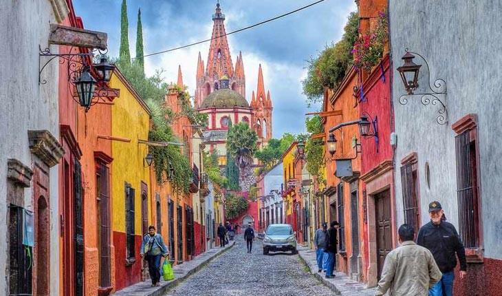 سن میگوئل د آلنده ، شهر رویاهای رنگارنگ در مکزیک 