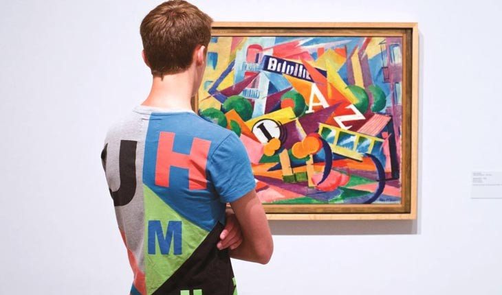 وقتی با آثار هنری موزه ها ترکیب می شوید 