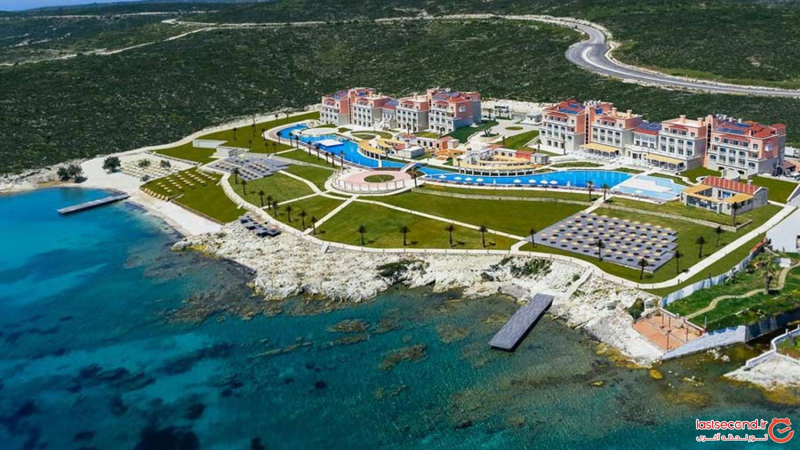 هتل زیبای آلکوچلار در آلاچاتی ترکیه