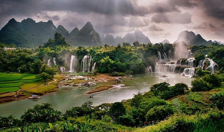 آبشار دتیان ، آبشاری خارق العاده در مرز چین و ویتنام 
