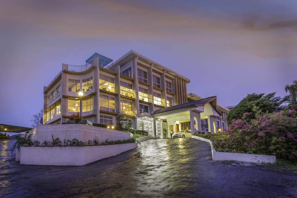 هتل توپاز