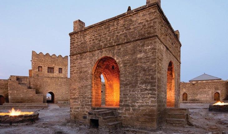 معبد آتش بی پایان ، از اصفهان تا باکو 