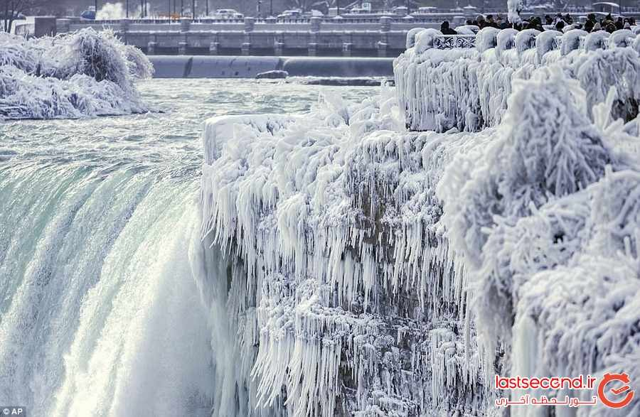 وقتی آبشار نیاگارا یخ می زند 