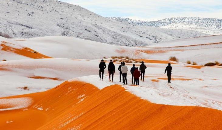 بارش برف در یکی از گرمترین نقاط جهان !