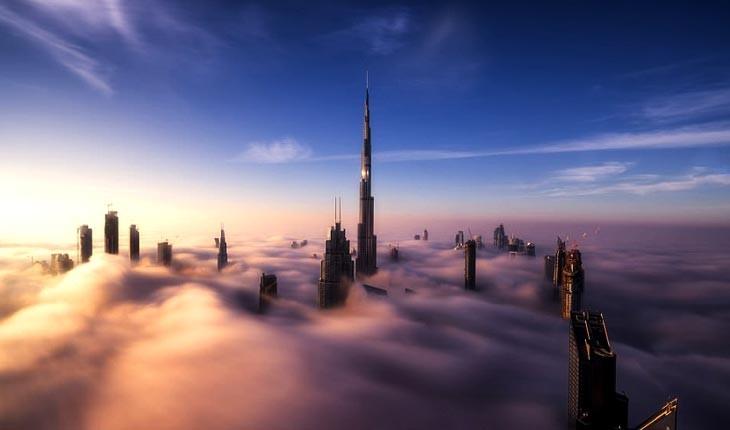 وقتی آسمان خراش های دبی در مه غرق می شوند 
