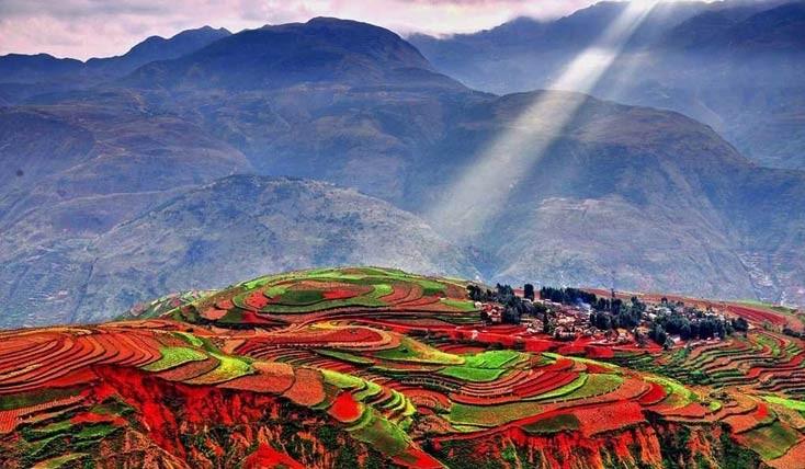 کوه های رنگین کمانی از سراسر دنیا