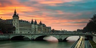 چند روزی در سرزمین ناپلئون (سفرنامه پاریس)
