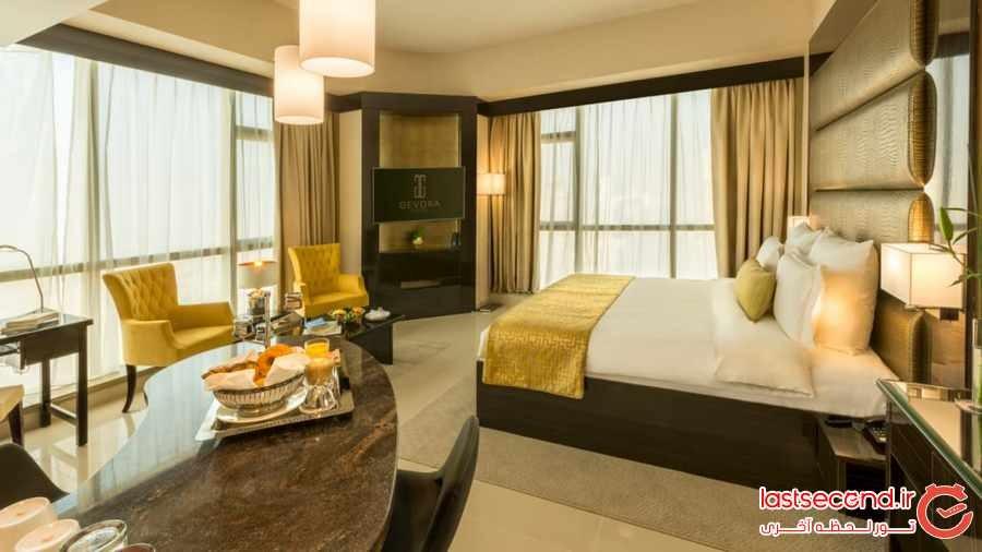 بلندترین هتل جهان در دبی افتتاح شد 