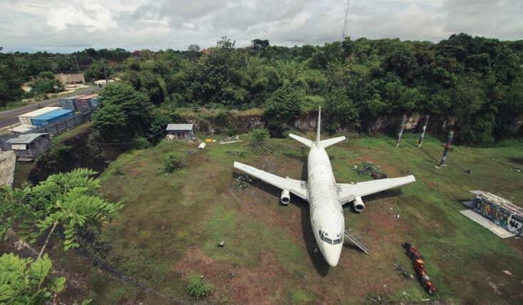 هواپیمای بوئینگ رها شده در بالی