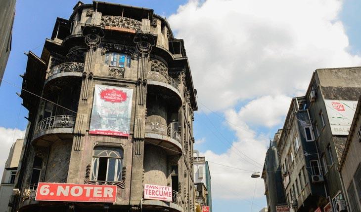 فلورا هان ، ساختمانی متروکه و تاریخی در استانبول