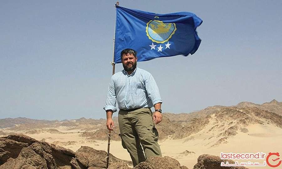 یک پدر آمریکایی به نام جرمیا هیتون نیز با برافراشتن پرچم خانوادگی خود، بیر تاویل را از آن خود دانست.
