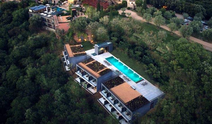 هتل کستل دمپوردا ( Castell d'Emporda ) ، اقامت در قلعه ای تاریخی در اسپانیا