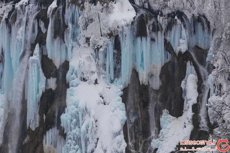 تصاویر رویایی از آبشار یخ زده پلیتویک در کرواسی 