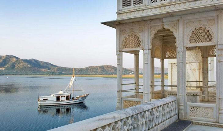 هتل تاج لیک پالاس ، هتلی بروی آب در اودایپور هند 