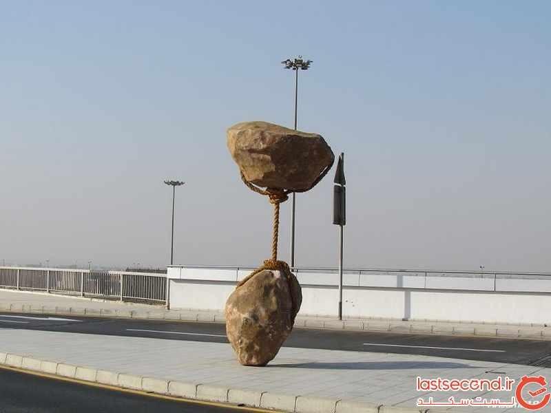 مجسمه هایی که به جاذبه غلبه کرده اند 