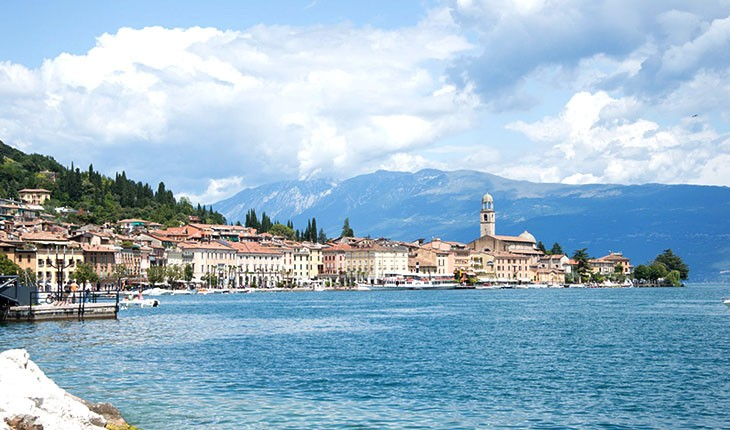 سالو (Salo) ، دهکده ای در کنار بزرگترین دریاچه ایتالیا 