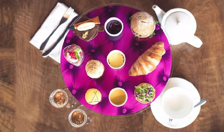 بهترین چای عصرانه انگلیسی را در آسمان تجربه کنید
